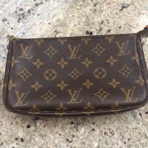 Louis Vuitton Monogram Pouchette